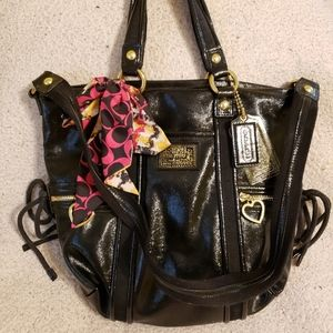 Like new Coach patent leather Poppy bag